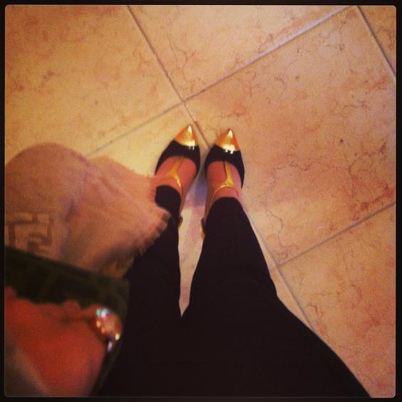 Black & Gold!7