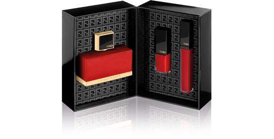 l_acquarossa_red_essentials_outerbox_2_212736378_north_545x