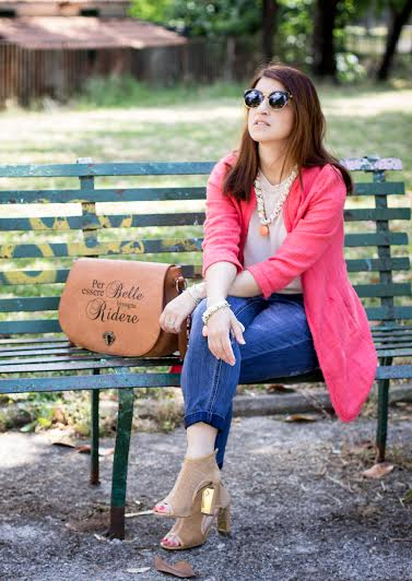 Tangerine Look with a Funny Bag!