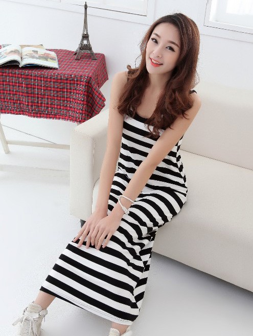 casual-black-and-white-striped-milk-silk-summer-vest-maxi-dress1 (1)