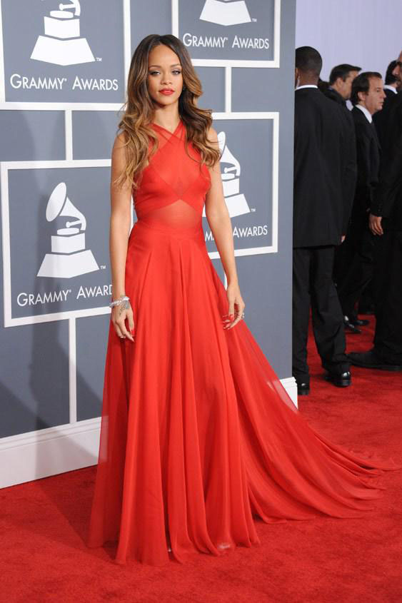 rihanna-grammys-red-carpet-criss-cross-a-line-celebrity-evening-prom-dress